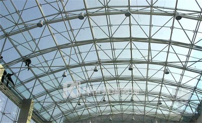 坤恒幕墙装饰工程供应良好的钢结构 北海幕墙钢结构
