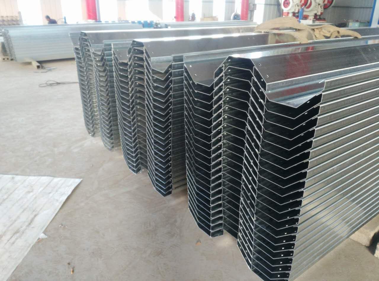 玻璃温室配件生产商 想建温室天沟就到绿州温室配件有限公司