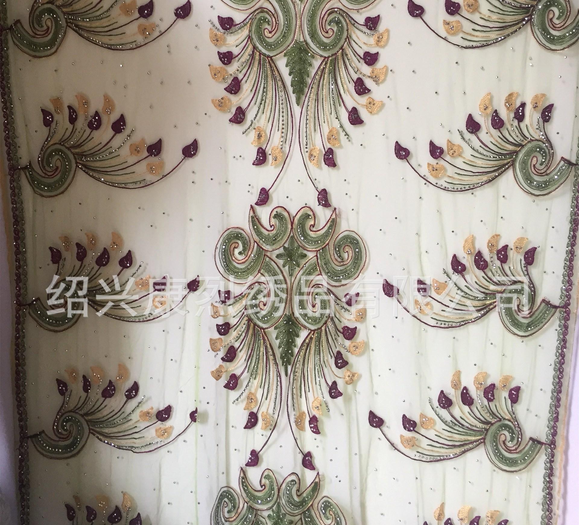 厂家直销 网布蝴蝶花服装链条绣花面料 用料毛线 欢迎来电联系