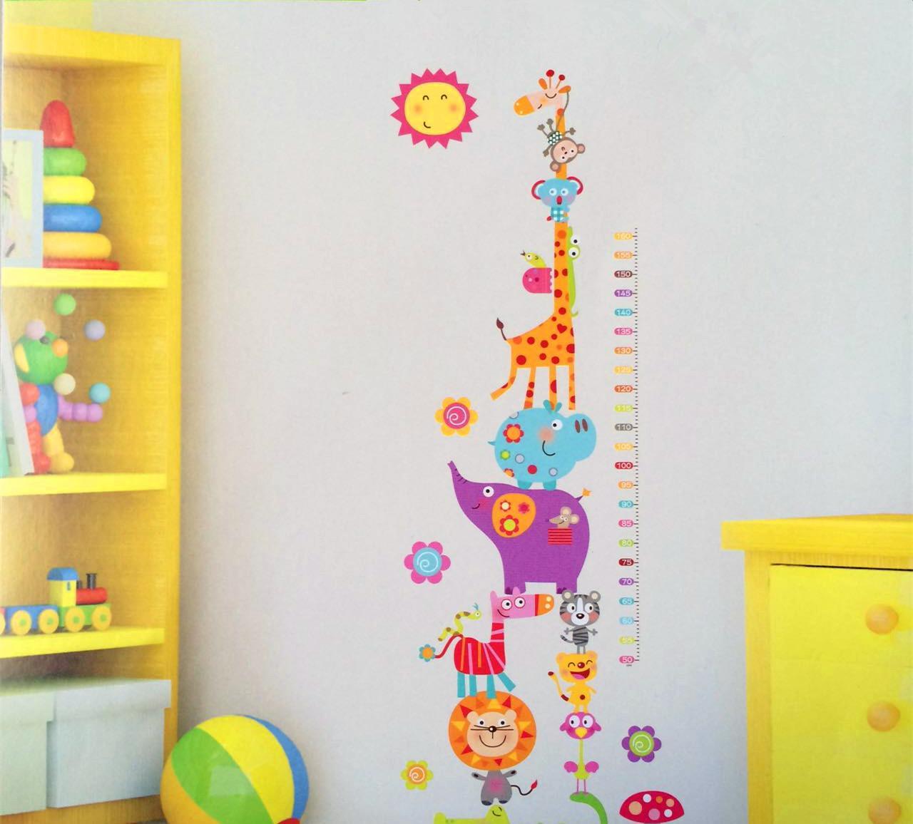 新款超大张拼接卡通长颈鹿幼儿园教室儿童房装饰自粘式身高墙贴