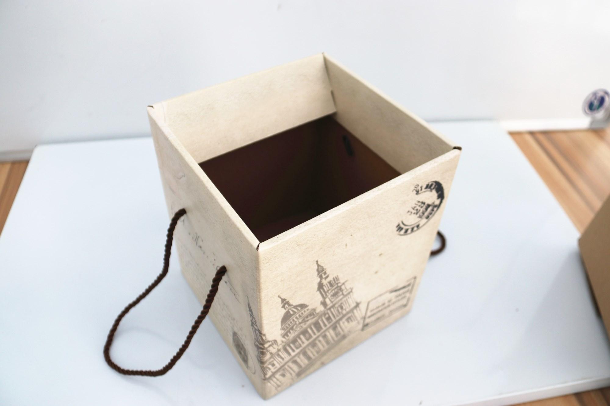 质量好服务好的纸箱批发「云南省郑州罗航」专业经营质量卓越值得
