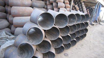 渤洋管道专业的冲压弯头出售 型号齐全的冲压弯头生产厂家