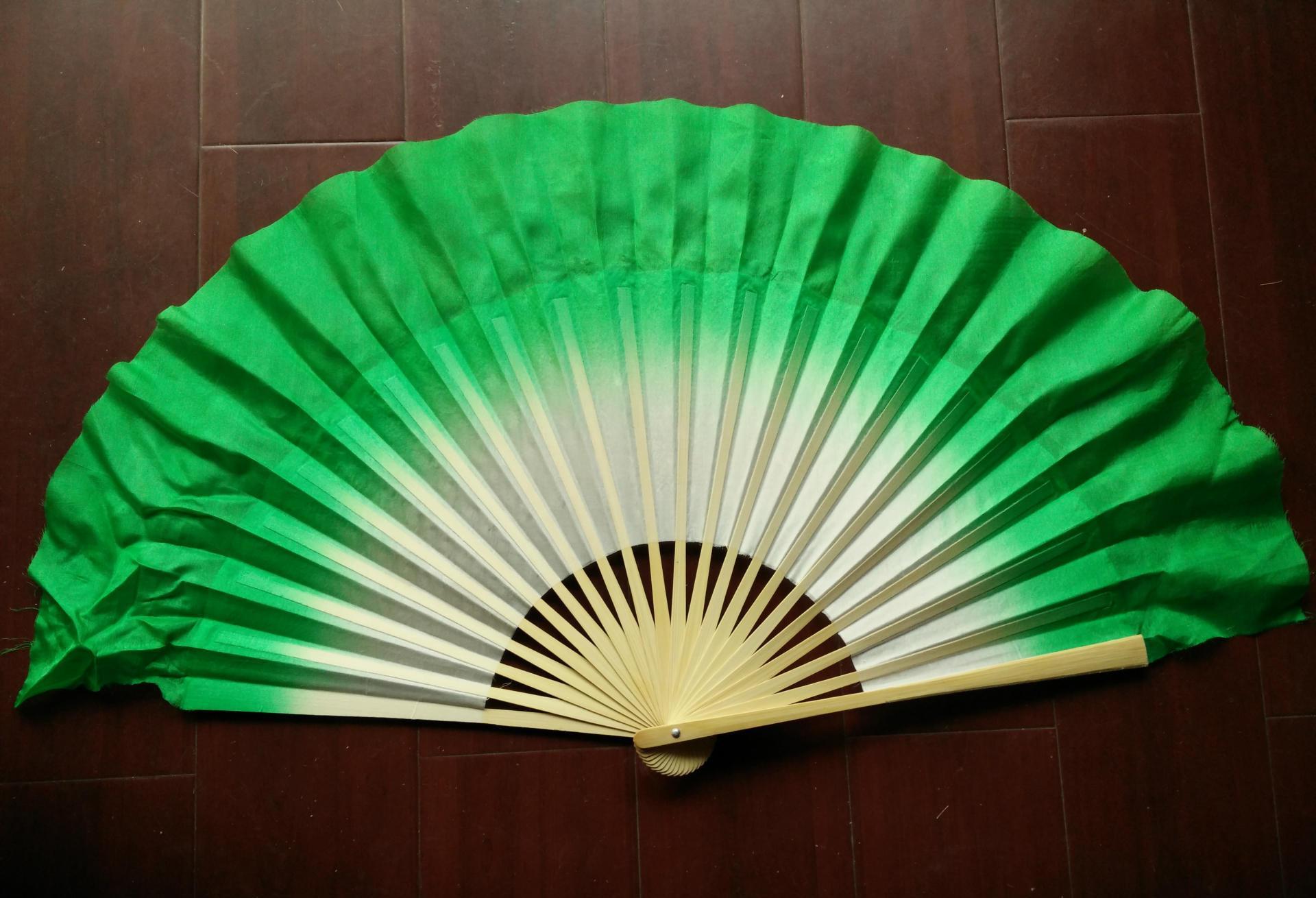 厂家直销荣昌折扇真丝扇秧歌扇舞扇10寸渐变舞蹈扇真丝绸闪光批发