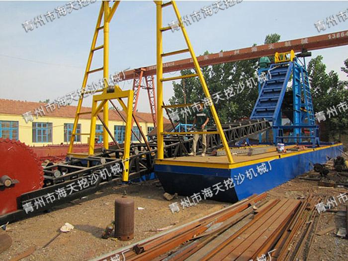 海天挖沙机械供应热销挖沙船_求购挖沙船