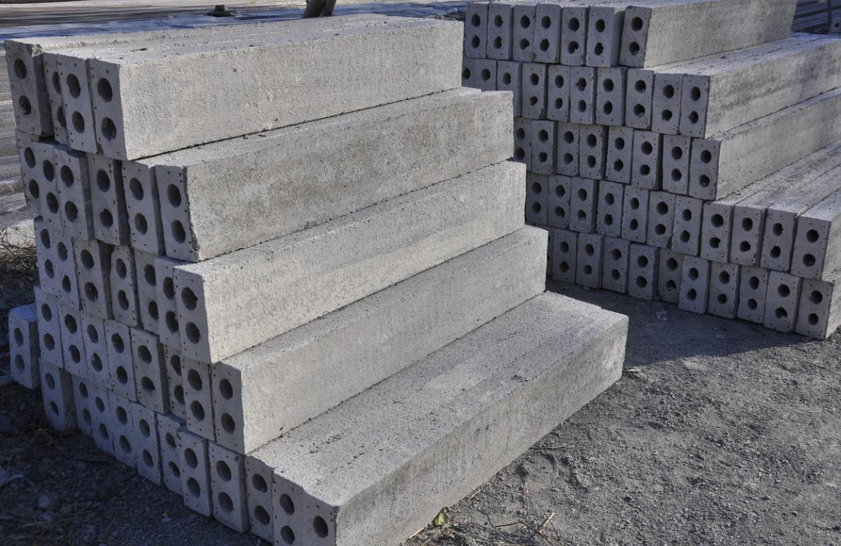 想买好用的水泥过梁上哪_加重过梁价格